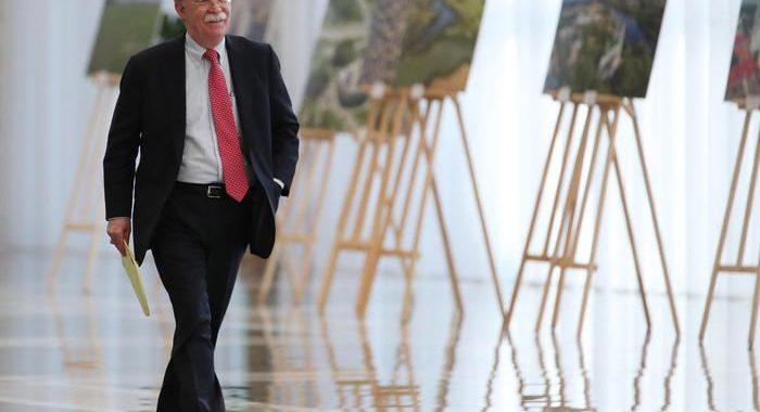 Bolton, Trump chiese aiuto a Xi per rielezione