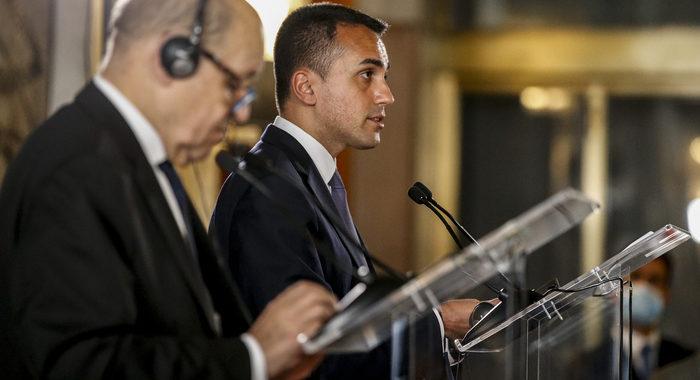 Di Maio vola a Parigi, focus sul petrolio libico