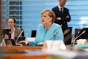 Merkel: nuovo pacchetto di sostegno all'economia da 130 miliardi