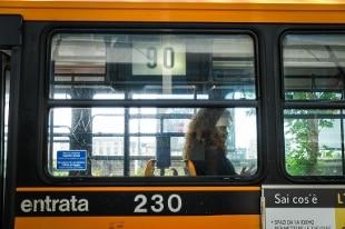 Morto uomo accoltellato durante lite su bus a Milano