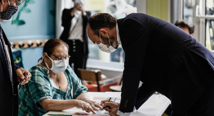 Francia: vincono l'astensione e premier Philippe a Le Havre