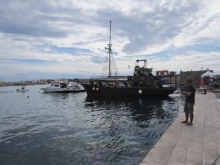Migranti, barcone con 49 tunisini approda a Lampedusa