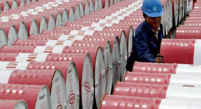 Petrolio chiude in forte calo a Ny, -8,2%