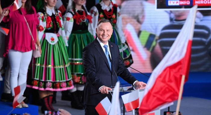 Polonia: presidente nazionalista Duda in vantaggio 1/o turno