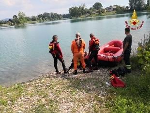 Ragazzo di 16 anni muore annegato in fiume nel Pavese