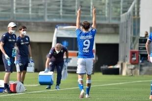 Serie A, il match salvezza Brescia-Genoa finisce 2-2