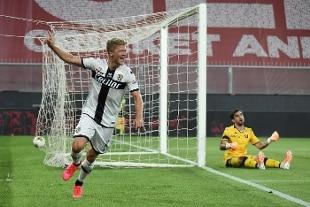 Serie A. Tripletta di Cornelius, Genoa in ginocchio. Primo successo per Longo, Torino-Udinese 1-0