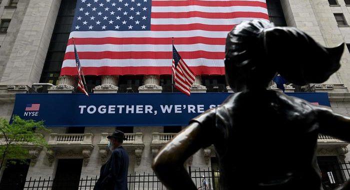 Wall Street affonda, Dj -5,72%, Nasdaq -4,20%