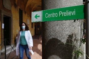 Coronavirus, risalgono contagi e decessi: 234 nuovi casi e 9 morti