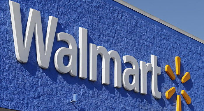 Coronavirus: Walmart impone l'obbligo della mascherina