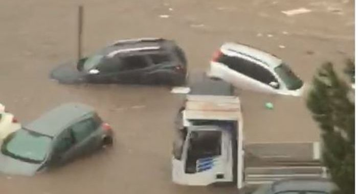 Palermo, due morti in auto sommersa