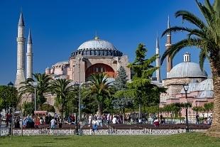 Santa Sofia, portavoce Erdogan: simboli religiosi salvaguardati