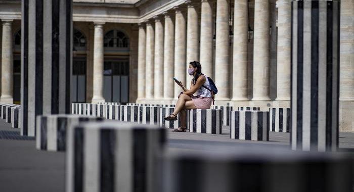 Coronavirus: Francia, i contagi di nuovo oltre 7.000
