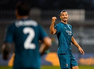 Europa League. Ibrahimovic e Calhanoglu in gol a Dublino, il Milan supera 2-0 lo Shamrock
