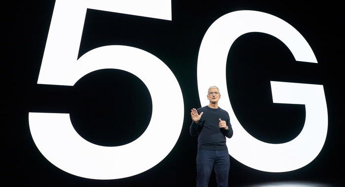 Apple: Cook lancia iPhone 5G, è inizio nuova era
