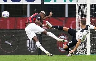 Calcio: il Milan non si ferma, Spezia sconfitto 3-0