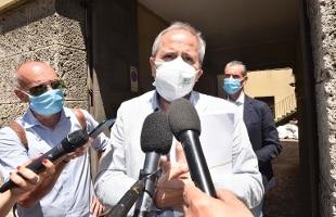 "Coronavirus, Crisanti: ""Tre mesi di restrizioni per arrivare al reset"""