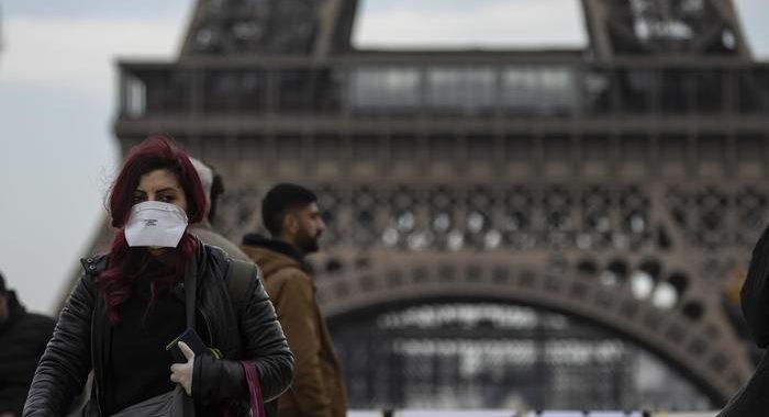 Covid: Francia, nuovo record contagi, 42.032 da ieri