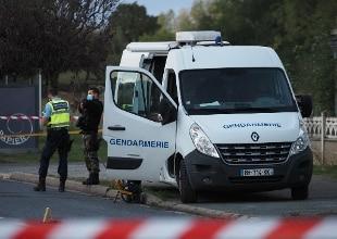 Francia, uomo uccide insegnante: abbattuto dalla polizia