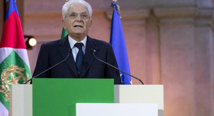 Mattarella conferisce medaglia d'oro a don Malgesini