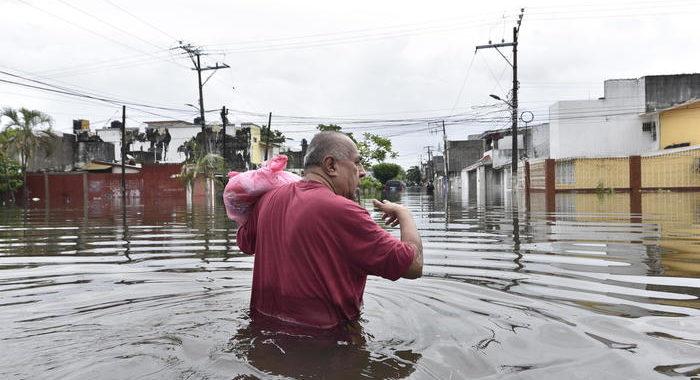 Messico: almeno sei morti per la tempesta Gamma, inondazioni