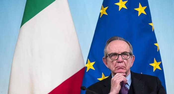 Unicredit: Padoan cooptato in Cda, sarà presidente