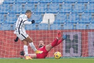 Calcio, l'Inter passa a Reggio Emilia: 3-0 al Sassuolo