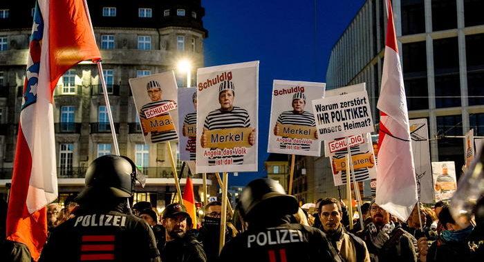 Covid: 31 arresti a corteo Lipsia, governo condanna violenza