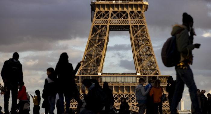 Covid: Francia, raddoppiati i casi di depressione