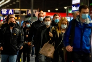 Covid: ottobre il mese peggiore della pandemia. In Europa quasi 1 milione di casi ogni 3 giorni