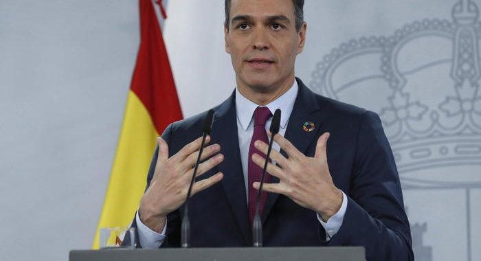 Covid: Spagna, Sanchez annuncia 'vaccinazioni da gennaio'