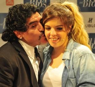 """Maradona, la figlia Dalma: """"Papà, ti difenderò sempre"""""""