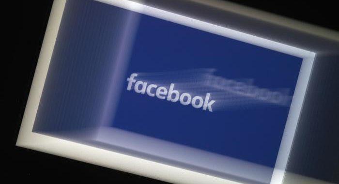 Facebook: utenti visualizzano 10 contenuti odio ogni 10 mila