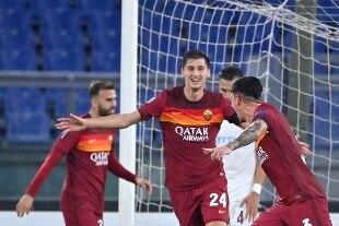 La Roma travolge 5-0 il Cluj e va in testa al girone