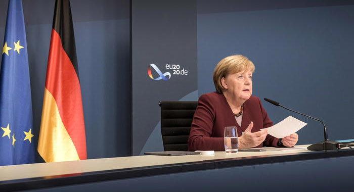 ++Merkel, sul vaccino ai poveri andiamo troppo lentamente++