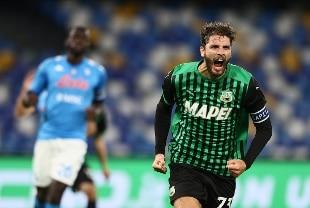 Napoli ko, Sassuolo secondo. La Roma regola la Fiorentina