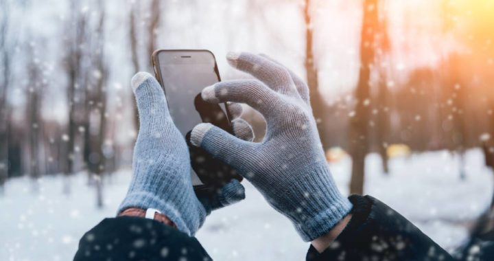 Natale 2020, i migliori regali tecnologici sotto i 25 euro