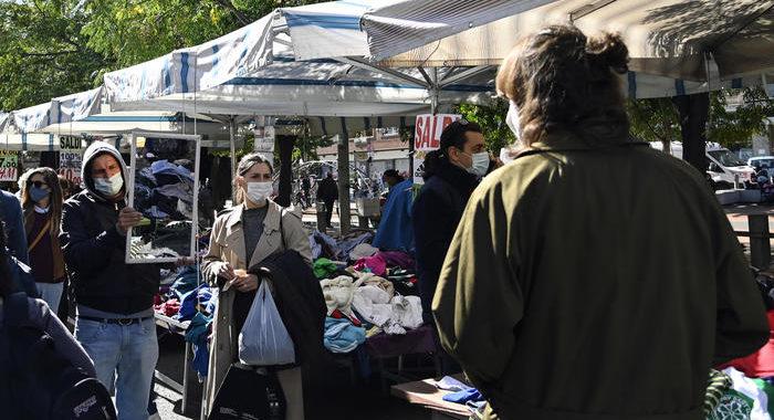 Regione Lazio, verso stop week end mercati e maxi store