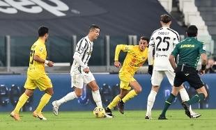 Ronaldo-show, la Juve batte 2-0 il Cagliari ed è seconda