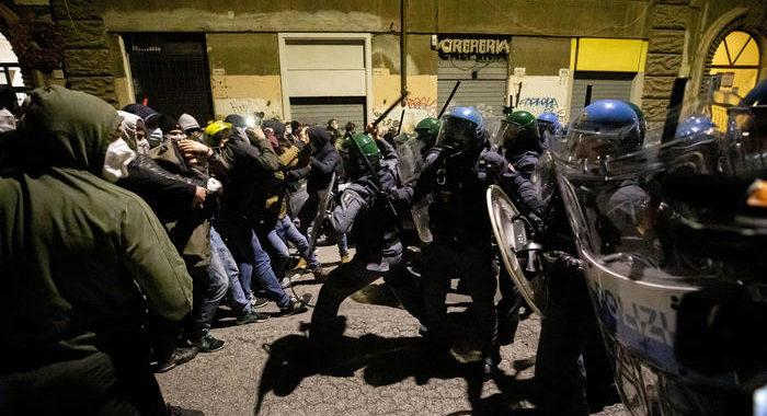 Sgomberi: scontri durante corteo a Roma, due fermati