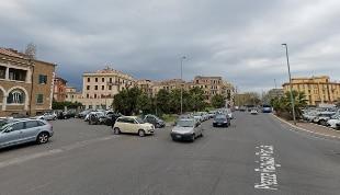 Uomo travolto e ucciso da auto pirata a Roma