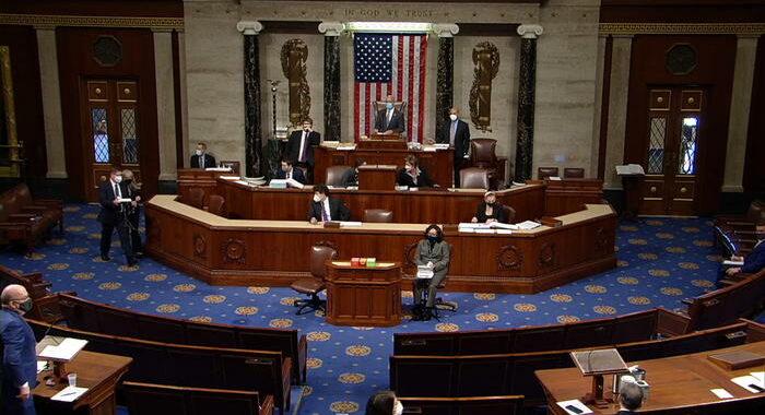 Camera approva impeachment Trump per assalto al Congresso