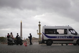 Francia, coprifuoco anticipato per 6 milioni di persone