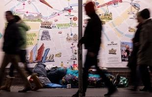 Genova: senzatetto morto, aveva fornito 25 identità diverse alle forze dell'ordine