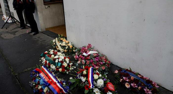 Macron ricorda Charlie Hebdo a sei anni dalla strage