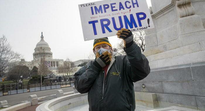 Pelosi, mercoledì voto su impeachment se Trump resta