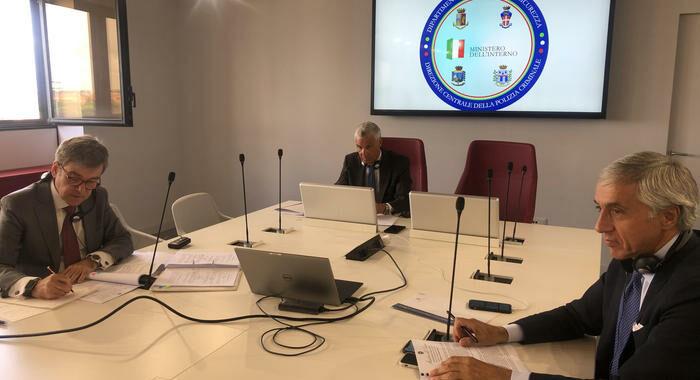 Covid: Europol, attenzione alla vendita test negativi falsi