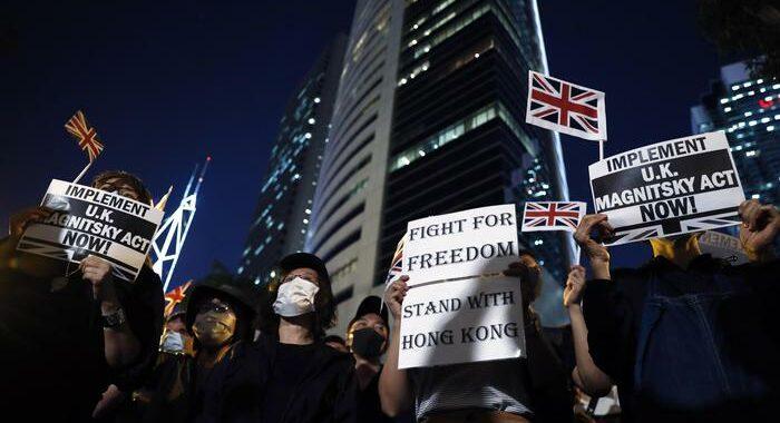 Gb: entra in vigore programma visti facilitati per Hong Kong