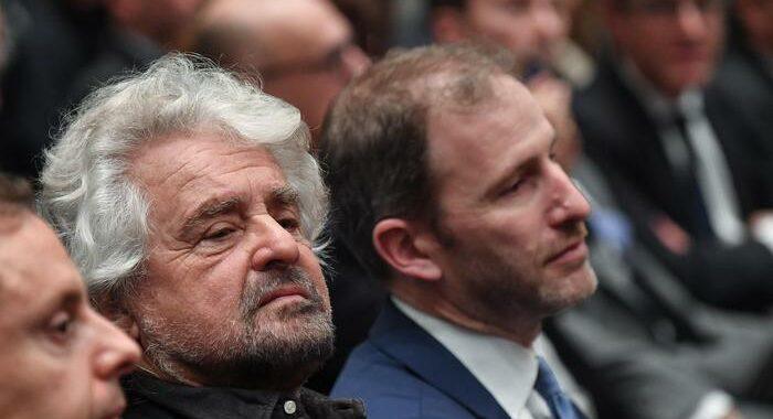 Governo: Grillo, oggi si deve scegliere, o di qua o di là