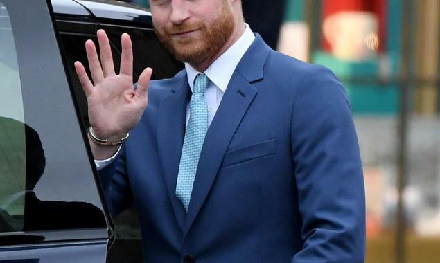 Harry 'pronto a partire' se il principe Filippo peggiorasse